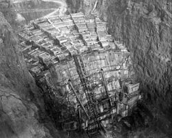 Coolest picture of the Hoover Dam ever. 3,250,000 cubic yards of concrete