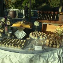 The wedding cake (a book) and the incredible cake balls of Jes